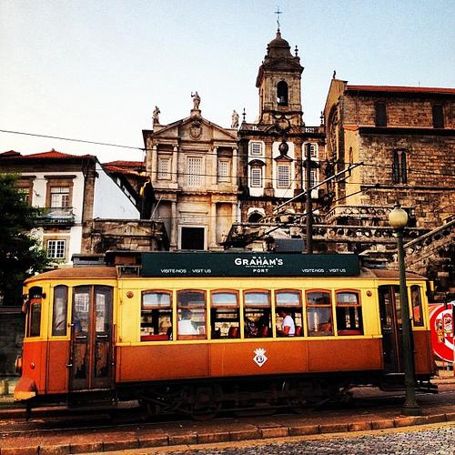portugal porto vatry paris